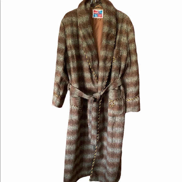 VTG Mei Shin wool chevron, tan & rust design robe